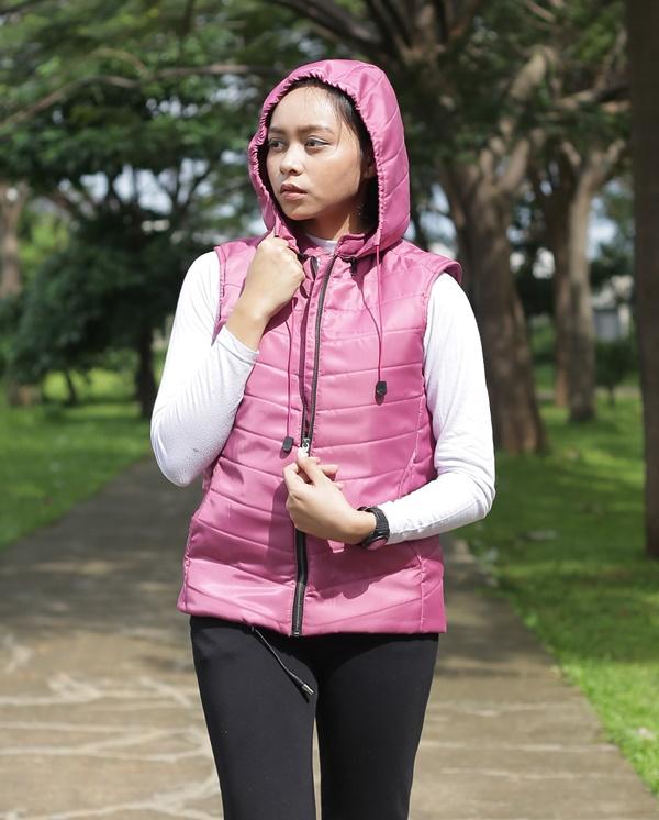 hoody-pink-model